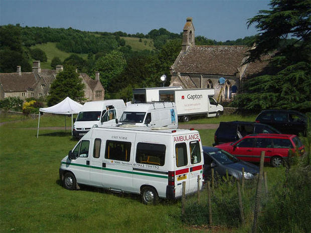 Mobile treatment unit on location